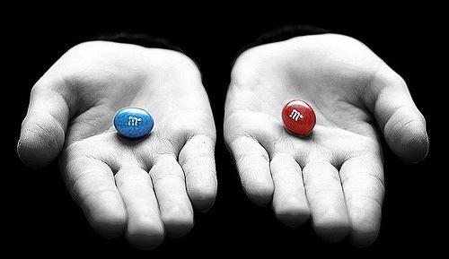 Rode pil blauwe pil